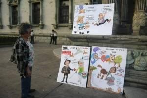 manifestacion-en-la-plaza-de-la-constitucion.jpg