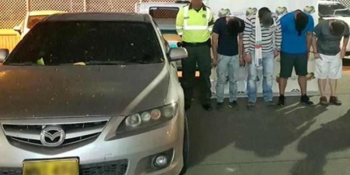 Policía descubrió que escondían armas en el techo de un vehículo
