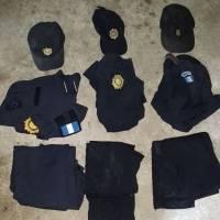 Uniformes de la PNC en casa de pandilleros de la MS