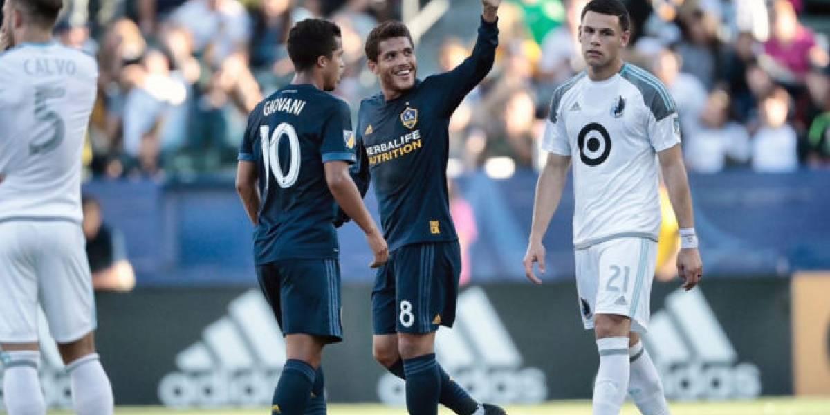 Jonathan Dos Santos se estrena como goleador con el Galaxy