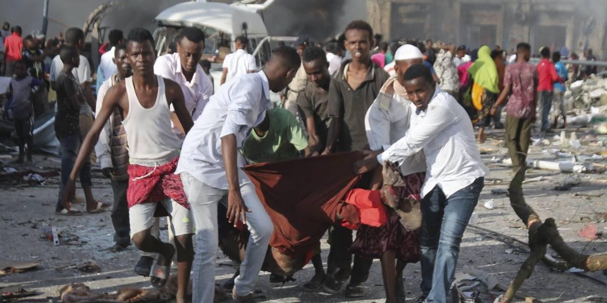 Somalia sufre el peor atentado de su historia, con al menos 215 muertos y 350 heridos