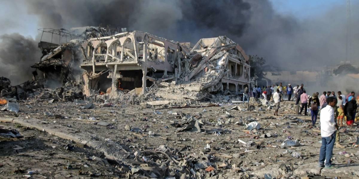Al menos 230 fallecidos tras atentado con camiones bomba en Somalia