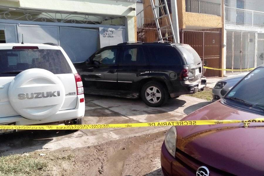 Atacan a policías que atendían un triple homicidio