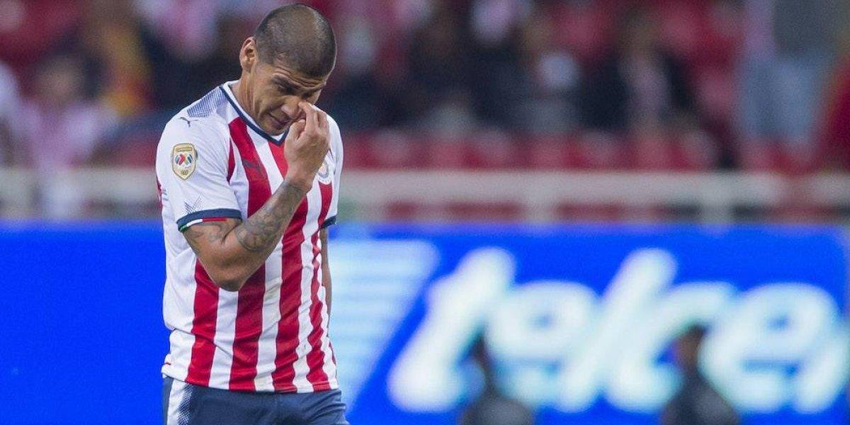 Error de Carlos Salcido le cuesta eliminación a Chivas