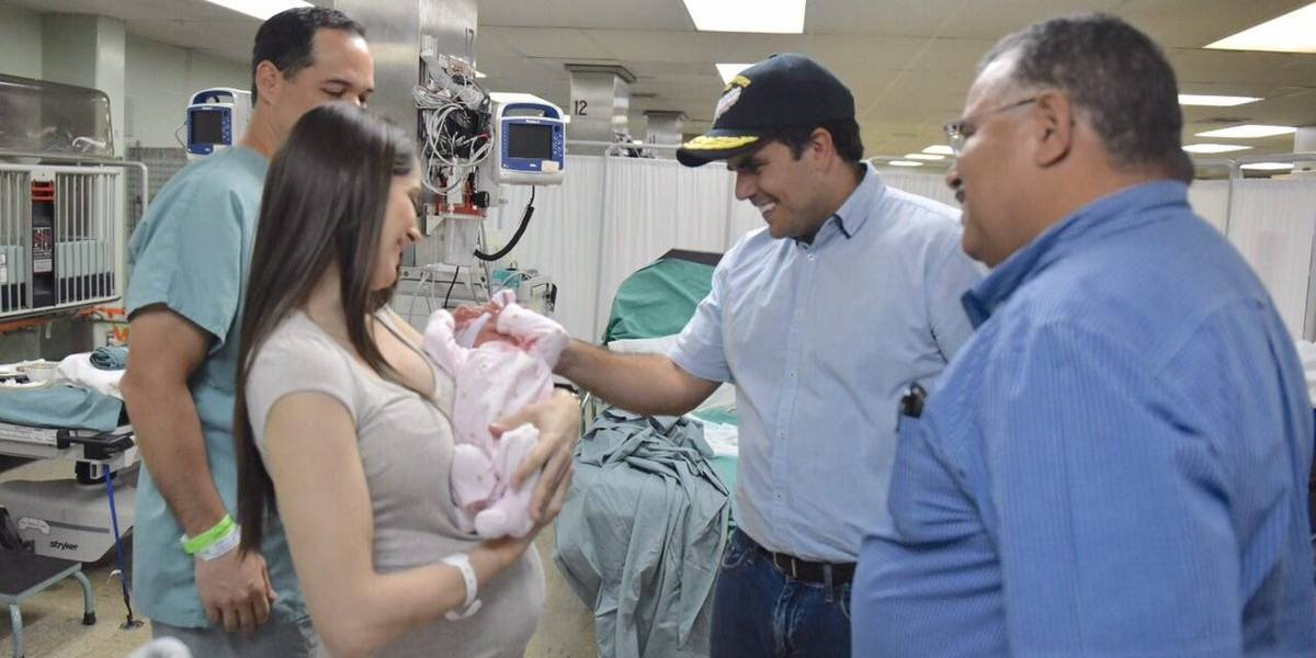 Nace primera bebé en el USNS Comfort