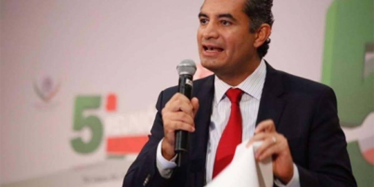 Ochoa Reza niega 'dedazo presidencial' en elección de candidatos
