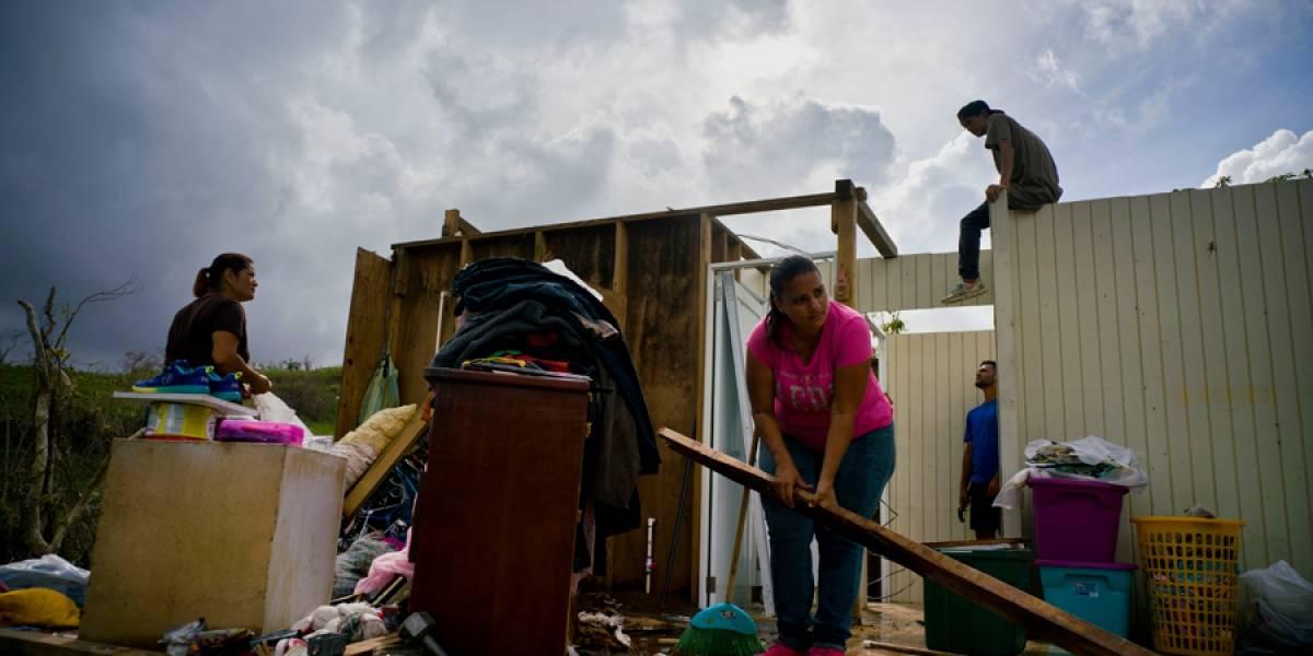 EE. UU.: Estudiante lleva en aviones ayuda a Puerto Rico