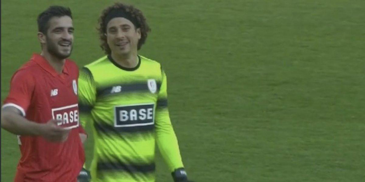 El Standard de Memo Ochoa golea en Bélgica