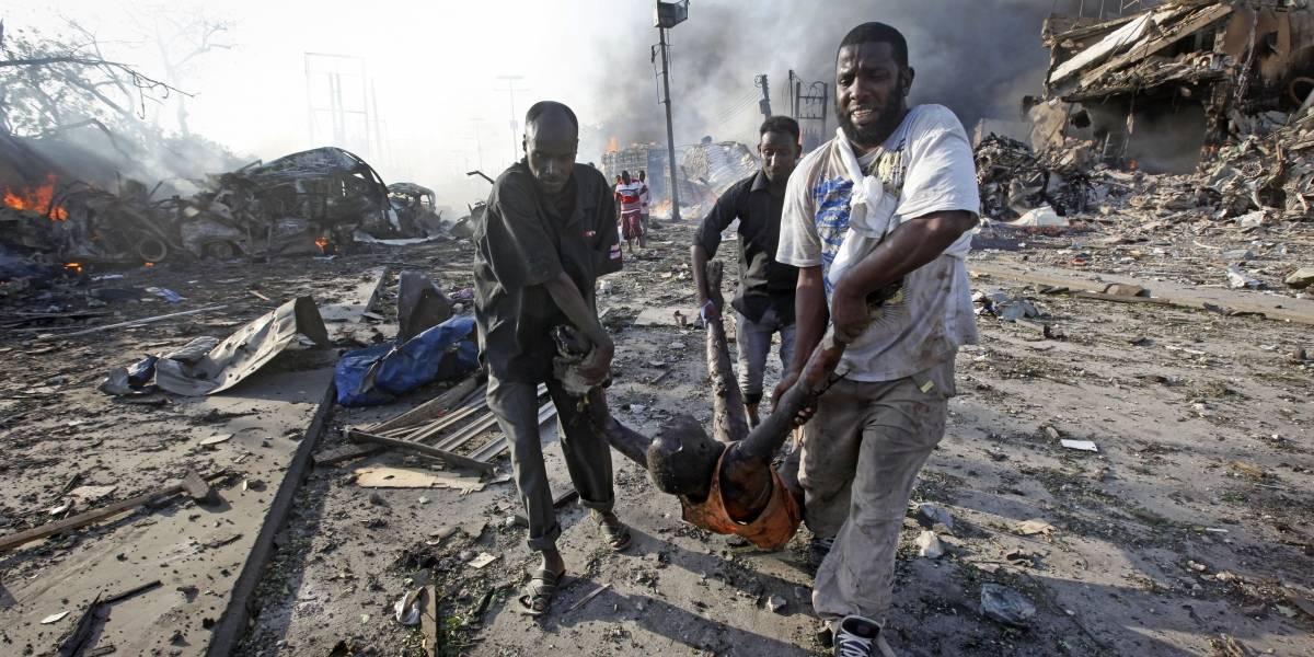 Suben a 231 los muertos por camión bomba en Somalia