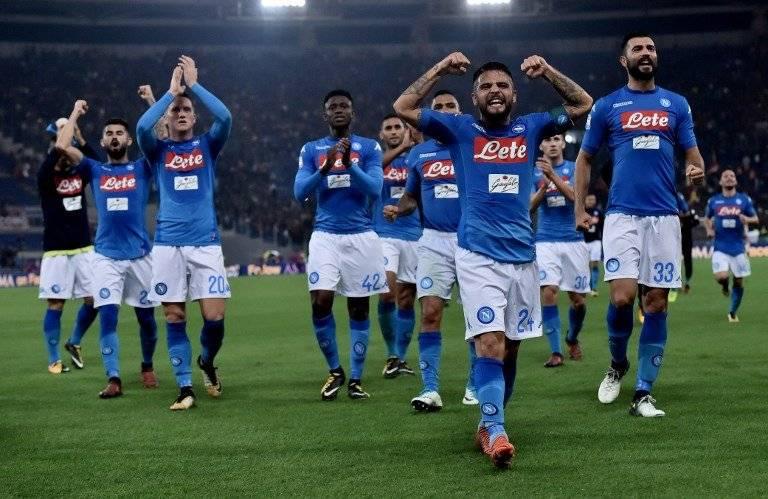 Napoli festeja en Italia / imagen: AFP