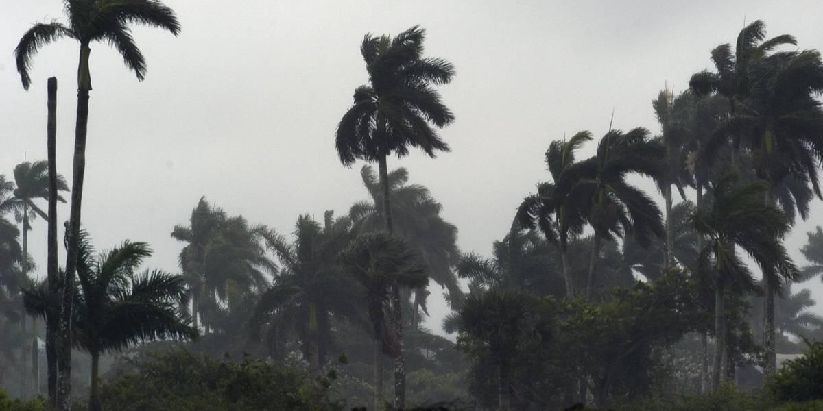 Reino Unido se prepara para el paso del huracán Ofelia