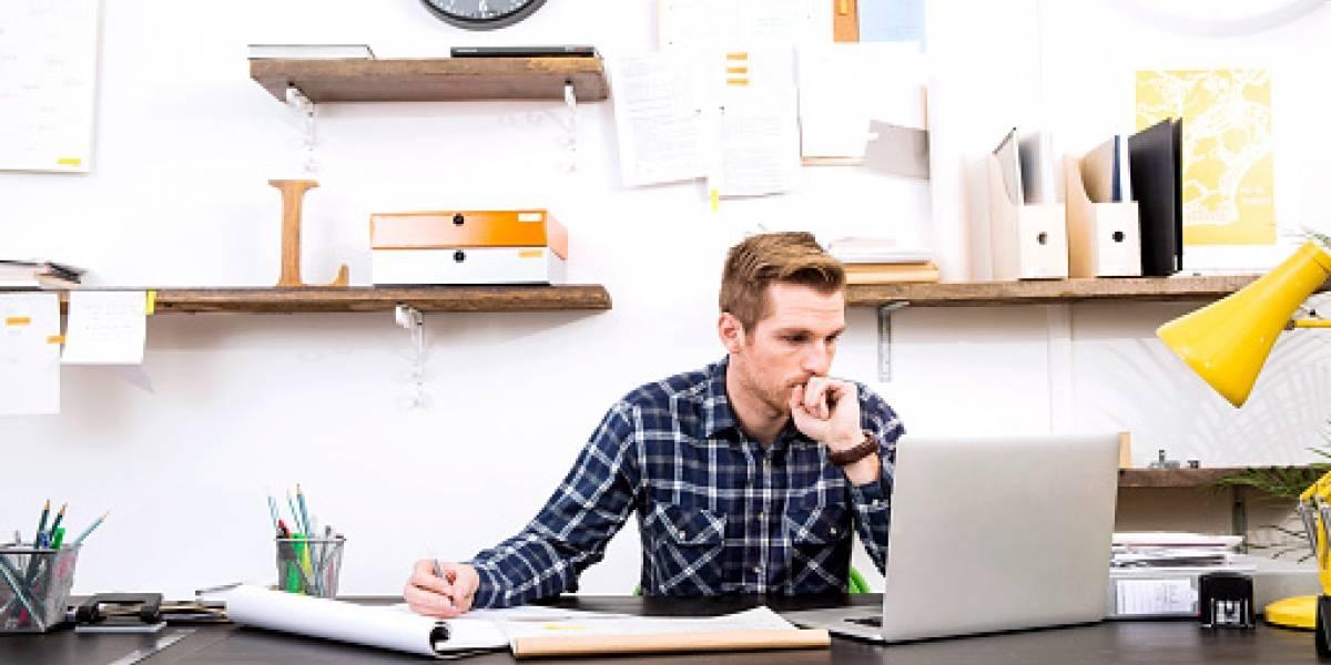 ¿Qué es mejor, trabajar sentado o de pie?