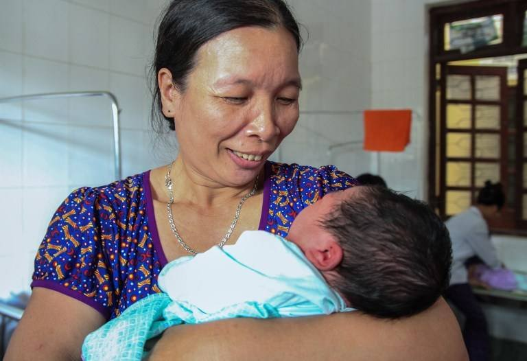 Bebé de 15 libras. Foto: AFP