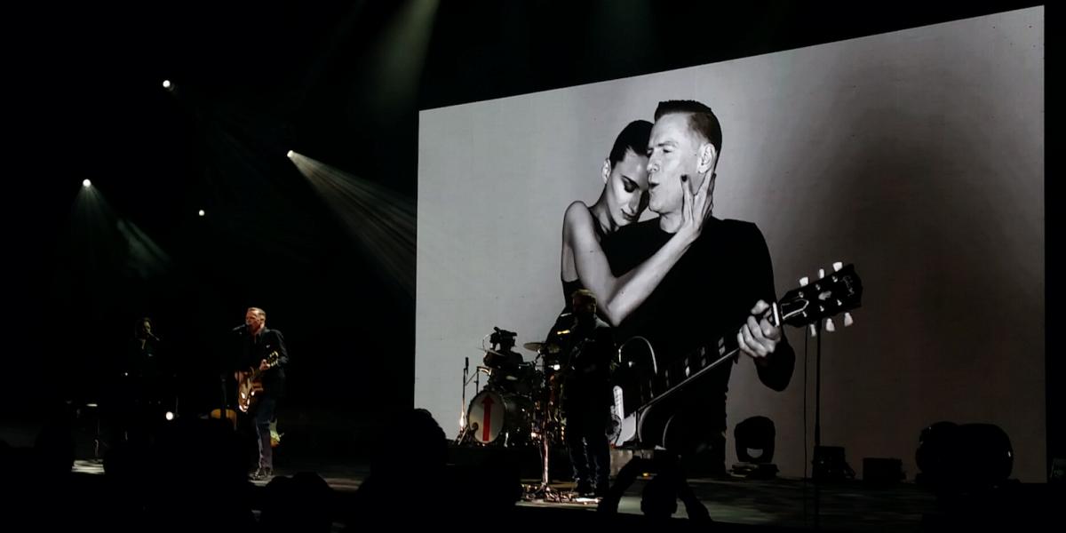 Bryan Adams mostró diversas facetas durante su show en Jalisco