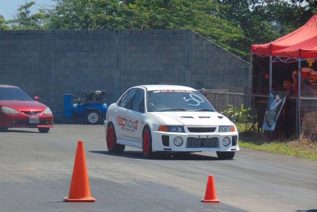 La pista Guatemala Raceway vibró con la potencia de los motores.