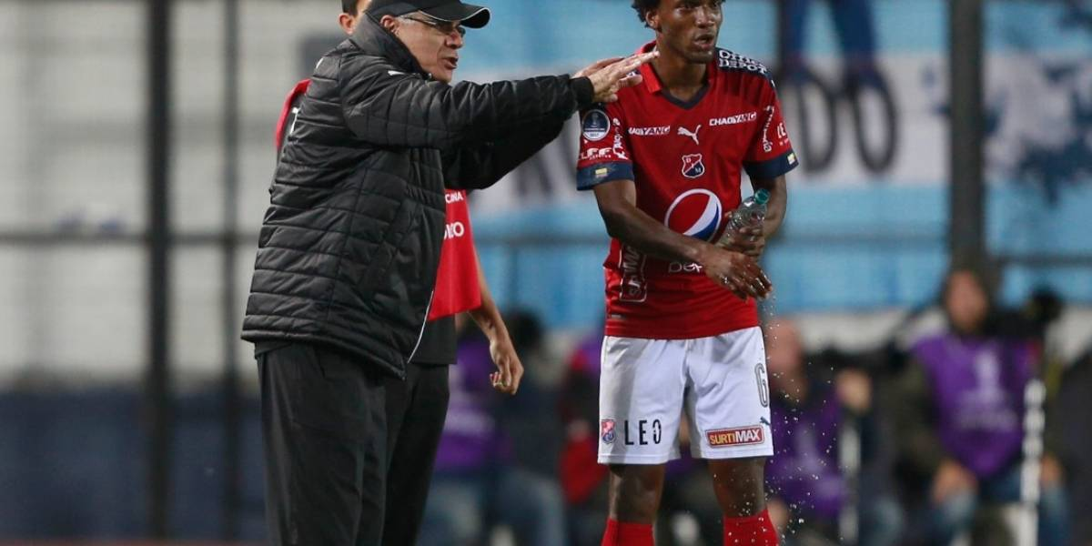 Independiente Medellín anuncia salida del técnico Juan José Peláez