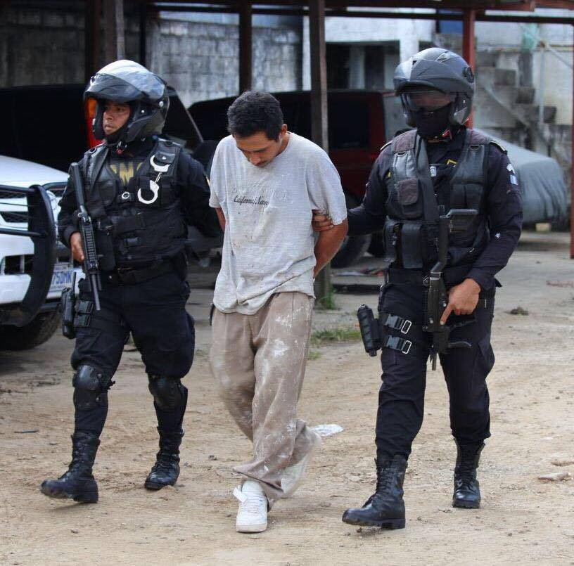 Capturan a presunto cabecilla de clica en Mixco. Foto: PNC