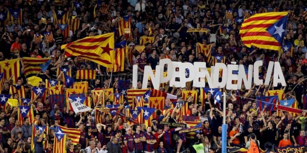 Tensión por Cataluña: Puigdemont evita responder si declaró la independencia y ofrece dos meses de diálogo a Rajoy