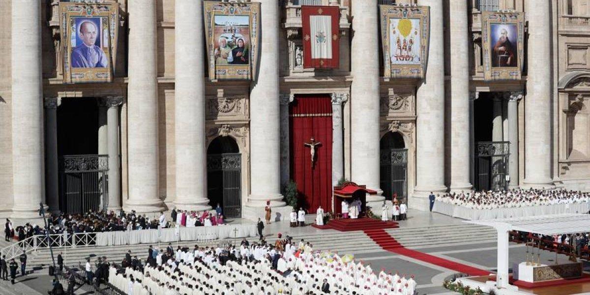 El papa Francisco proclama 35 santos, la mayoría de Brasil y México