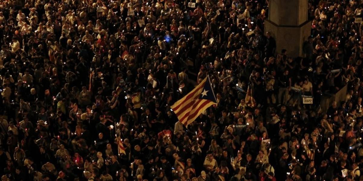 Miles protestan en Cataluña contra encarcelamiento de líderes independentistas