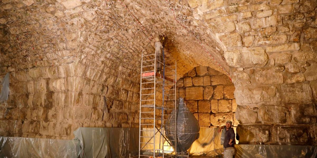 Hallaron un teatro romano bajo el Muro de los Lamentos — Jerusalén