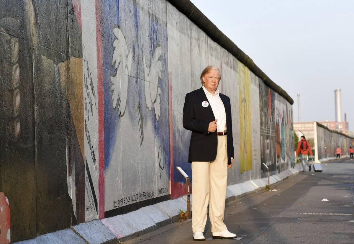 Y también la posicionaron en el Muro de Berlín. Foto: AP