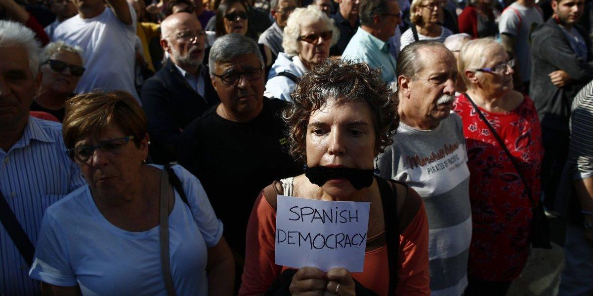 Con marchas, en Barcelona piden liberar a líderes secesionistas de Cataluña