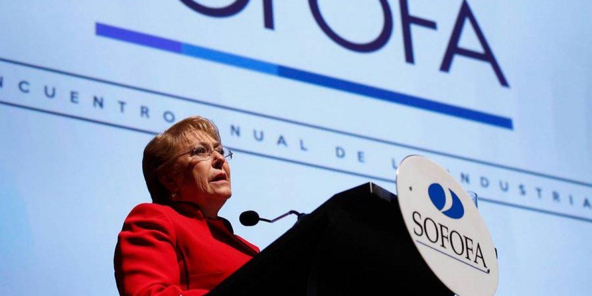 Bachelet responde Bernardo Larraín: