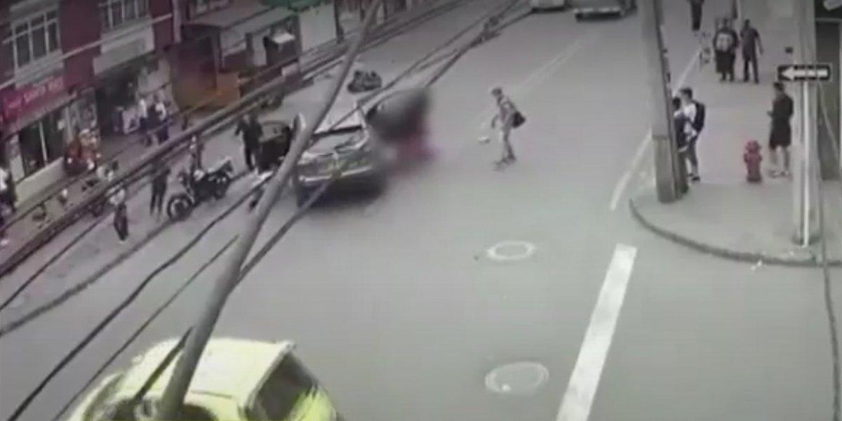 Madre e hija se salvan de milagro luego de ser arrolladas por un carro particular