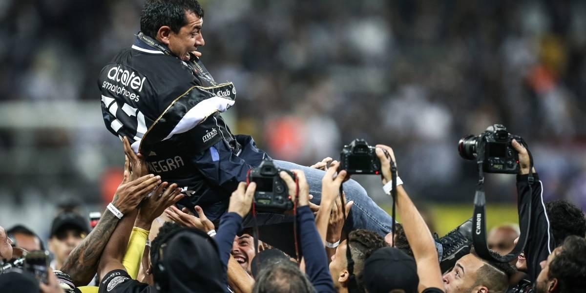 Da desconfiança ao sucesso: a trajetória de Fábio Carille no Corinthians