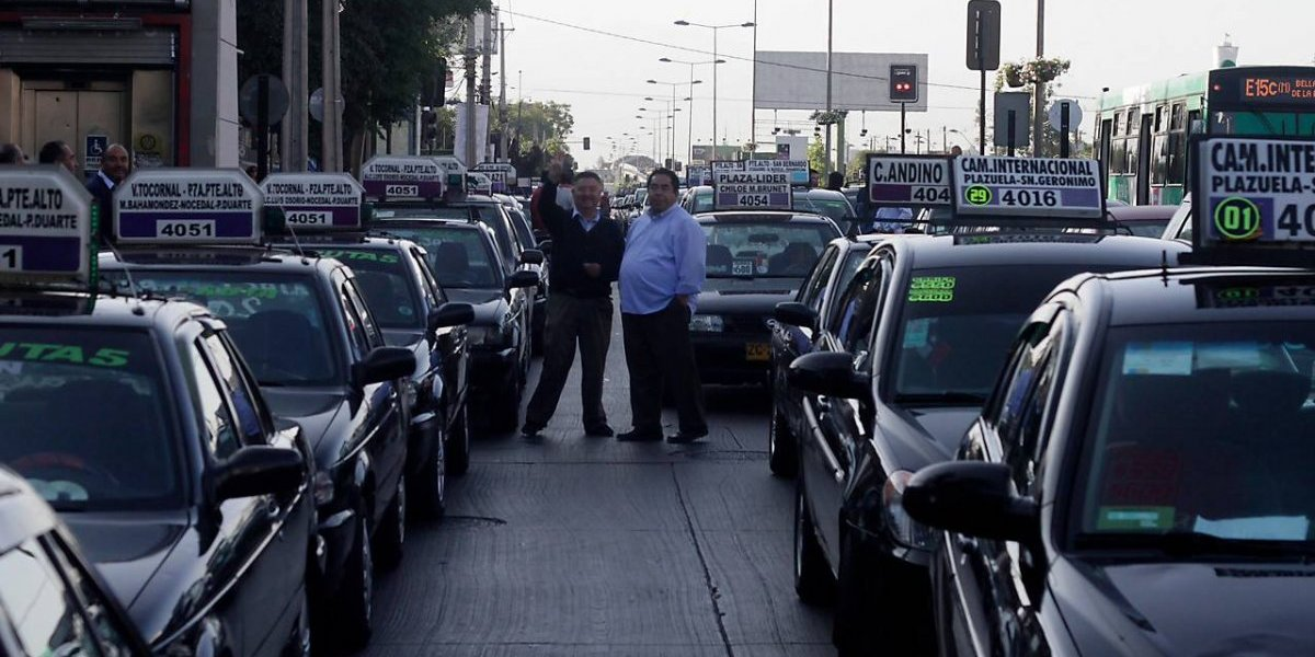 ¡Salga con sencillo! Anuncian 35 nuevos recorridos de taxis colectivos para Santiago