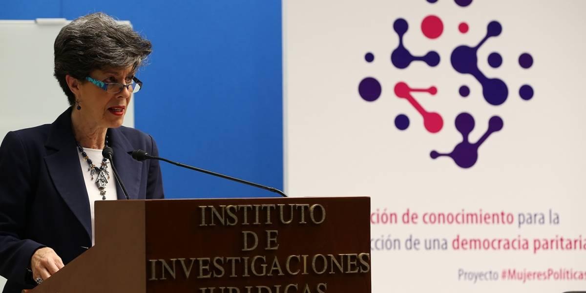 México conmemora los 64 años del voto femenino