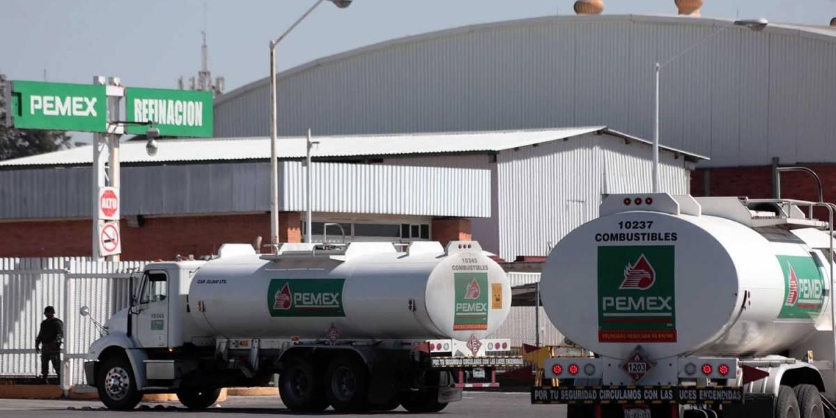 Pemex despide a trabajadores de Salamanca por robo de combustible