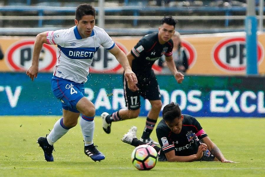 El Huaso jugando su último clásico en San Carlos de Apoquindo. Fue derrota 1-0 ante Colo Colo / Foto: Photosport