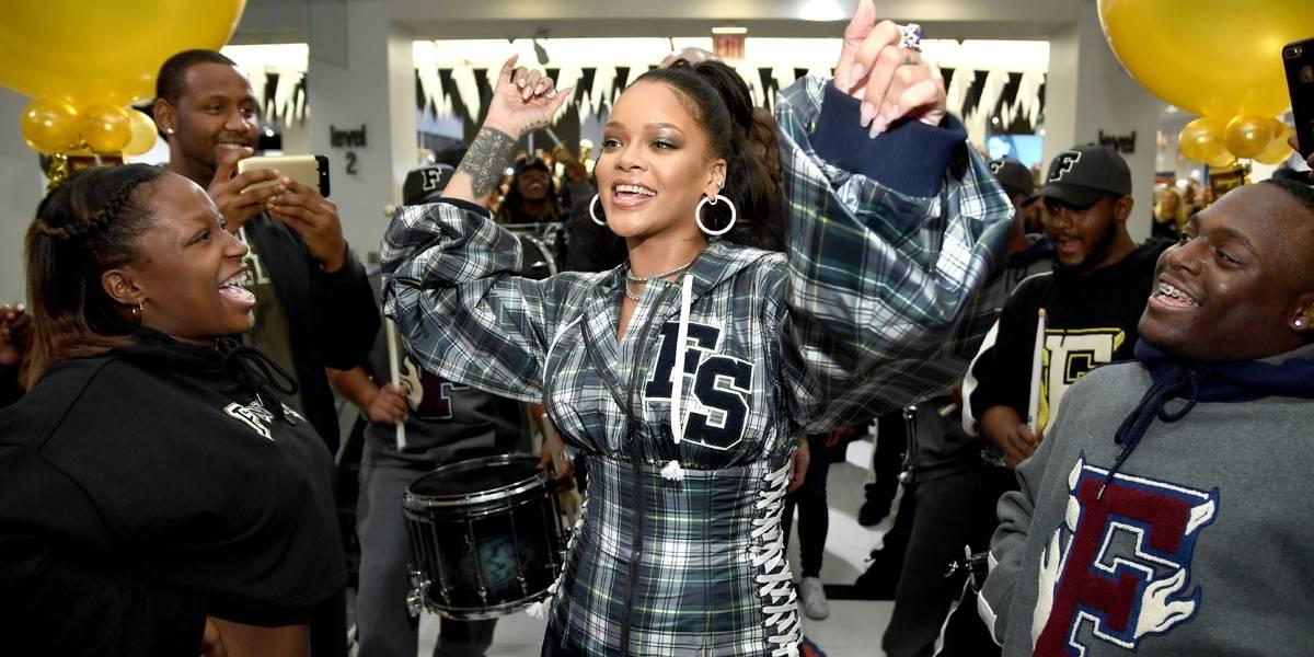 Rihanna anuncia linha de lingerie com tamanhos inclusivos