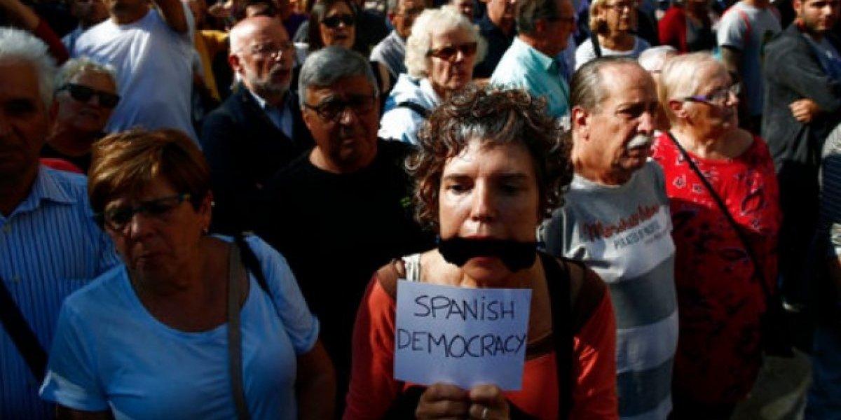 Protestan en Barcelona ante encarcelamiento de líderes de movimiento por la independencia