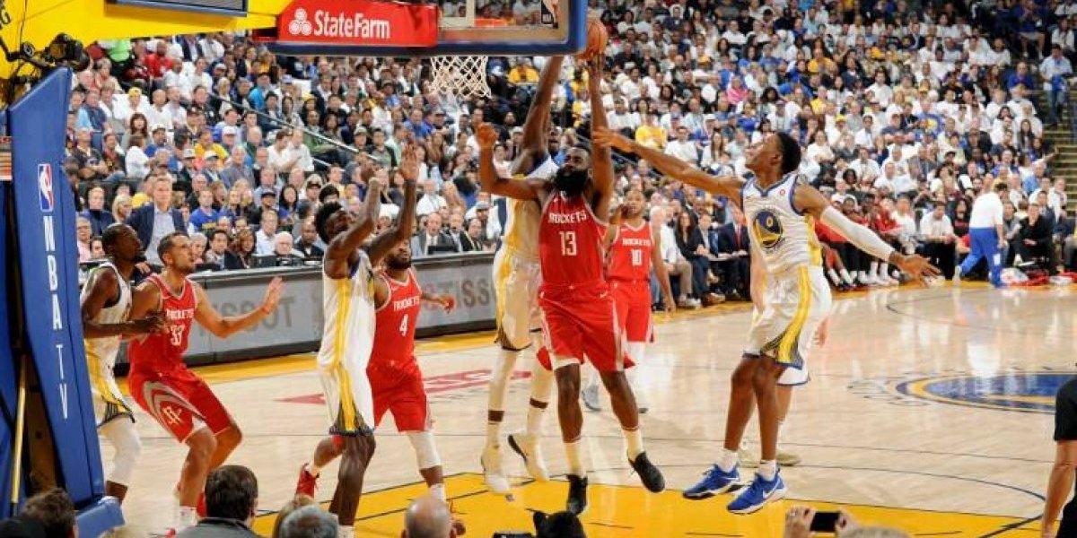 Houston le dio un aviso al campeón Golden State en el inicio de la NBA
