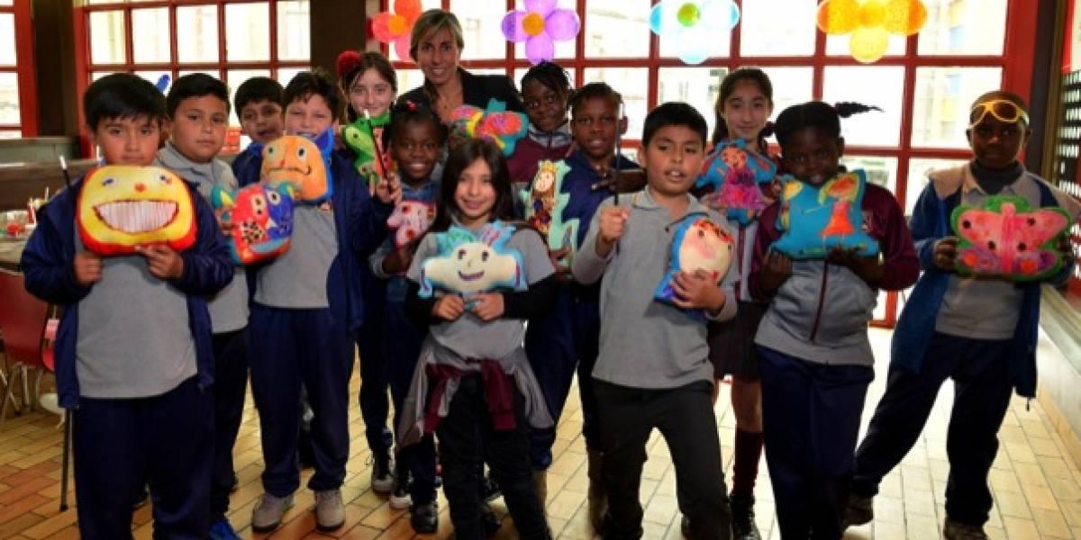 """Promoción de la lectura: escolares de Estación Central abrieron su fantasía al """"Amigo Imaginario"""""""