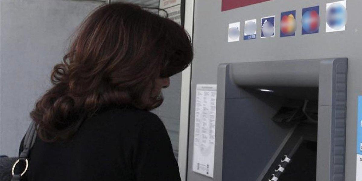 Capturados por tener relaciones sexuales en cajero automático