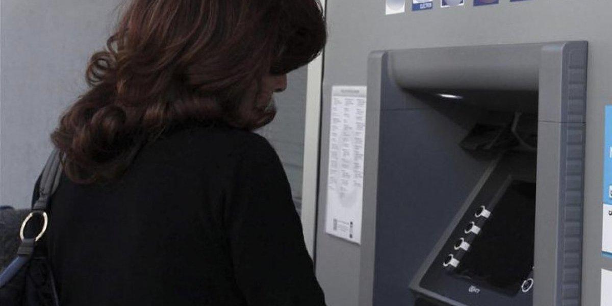 Detenido por intentar abusar de una joven en cabina de un cajero automático