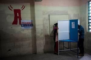 Guatemaltecos irán a las urnas en 2018 por el referéndum con Belice