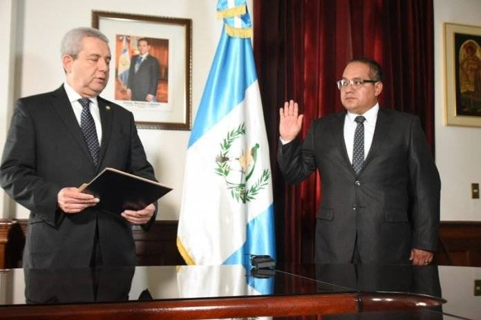 Juramentación de gobernadores de Sololá y San Marcos