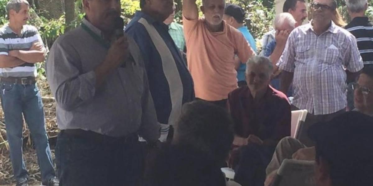 Secretario de Agricultura visita agricultores de Lares y Ponce
