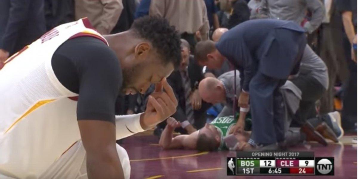 VIDEO. Aterrador momento en que jugador de la NBA sufre espeluznante lesión