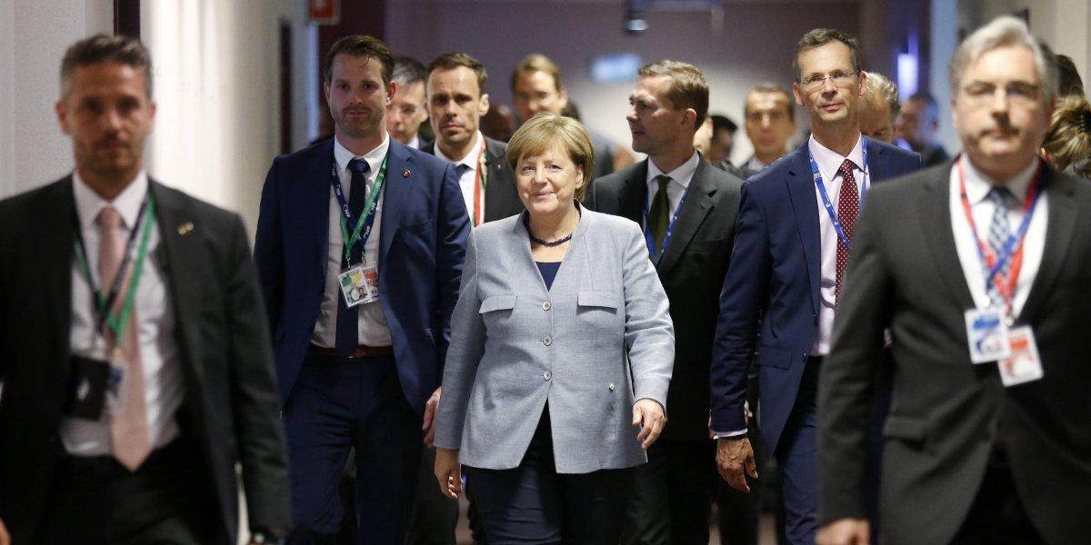 La Unión Europea comienza cumbre sobre defensa, inmigración y 'Brexit'