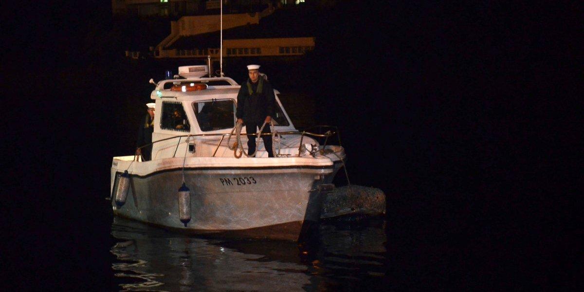 La alocada noche de un hombre ebrio en Valdivia: se robó un zodiac de la Armada y mordió a un carabinero