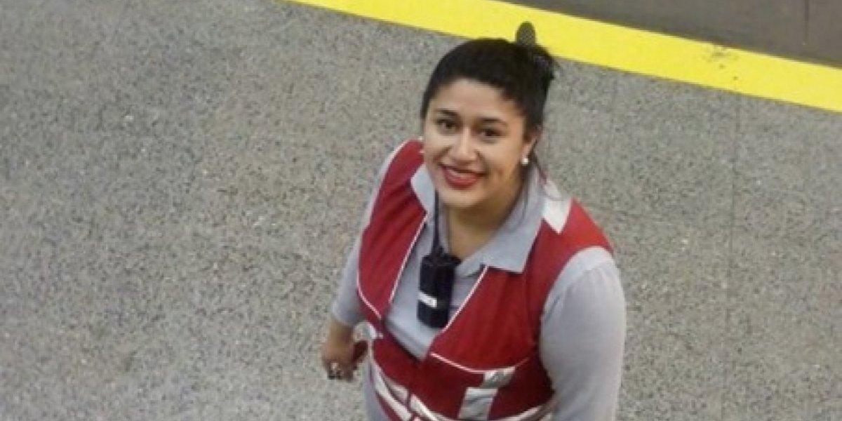 """""""Te mereces mil aplausos"""": madre agradece a funcionaria del Metro por ayudarla con crisis de su hijo autista y todos se suman al reconocimiento"""