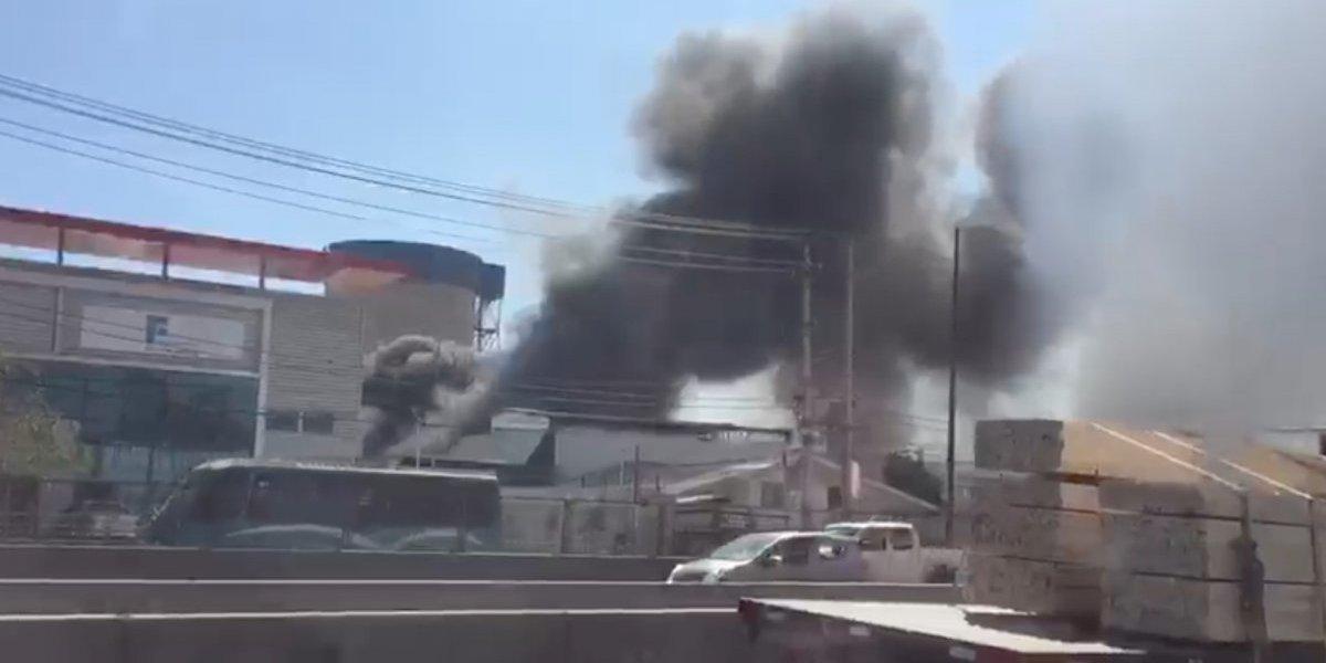 Quilicura: impresionante incendio en zona industrial provoca temor de vecinos