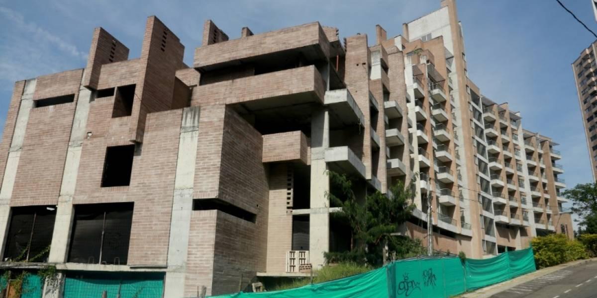 Propietarios del edificio Continental Towers en Medellín tienen la casa en el aire