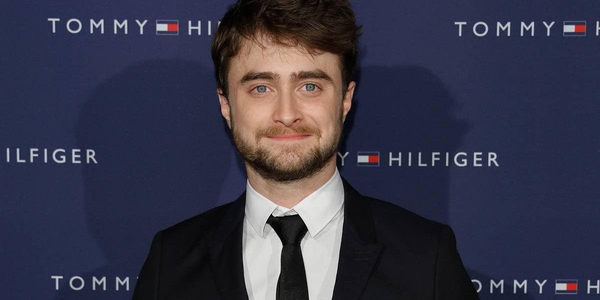Daniel Radcliffe se emociona ao ler a nota de suicídio do bisavô e desafaba: 'Foi muito chocante'